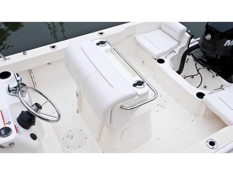 boston whaler 190 outrage 294225 011