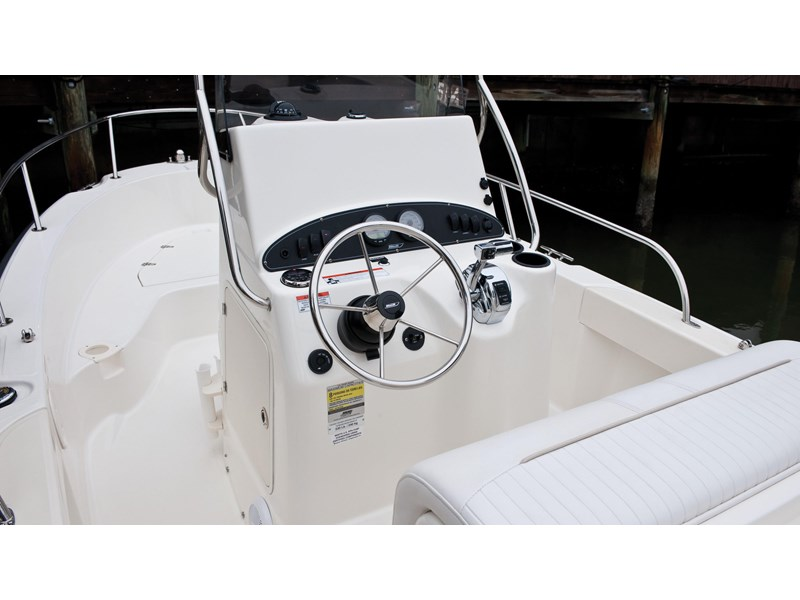 boston whaler 190 outrage 294225 016