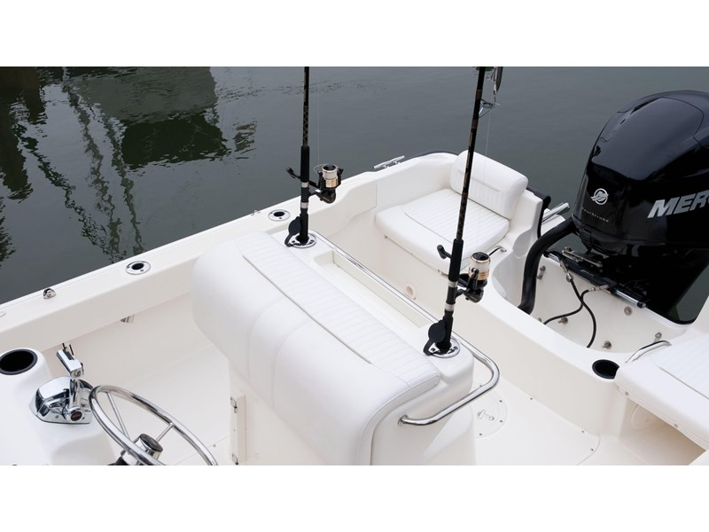 boston whaler 190 outrage 294225 014