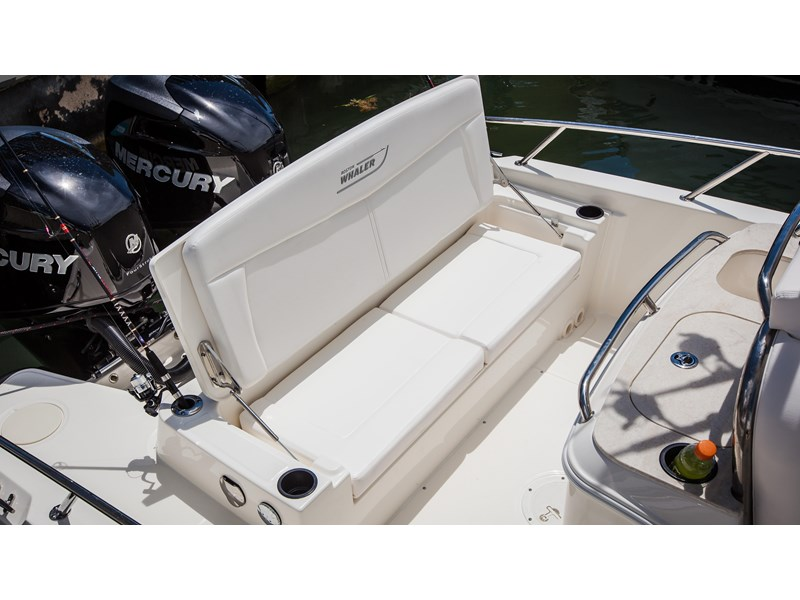 boston whaler 270 dauntless 294226 011