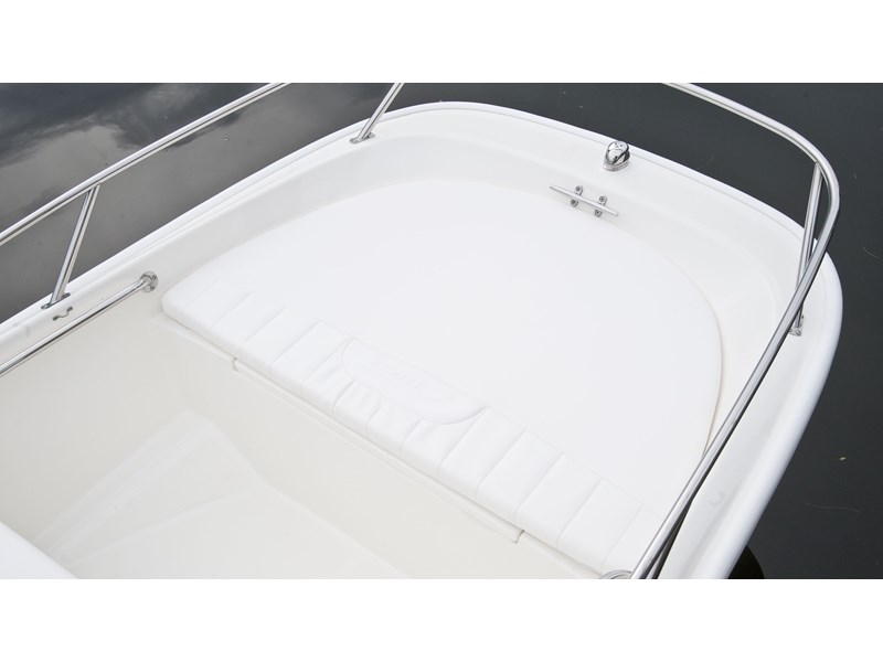 boston whaler 130 super sport 294228 011
