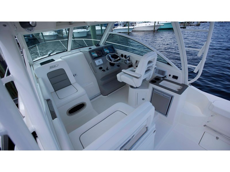 boston whaler 315 conquest 245300 014