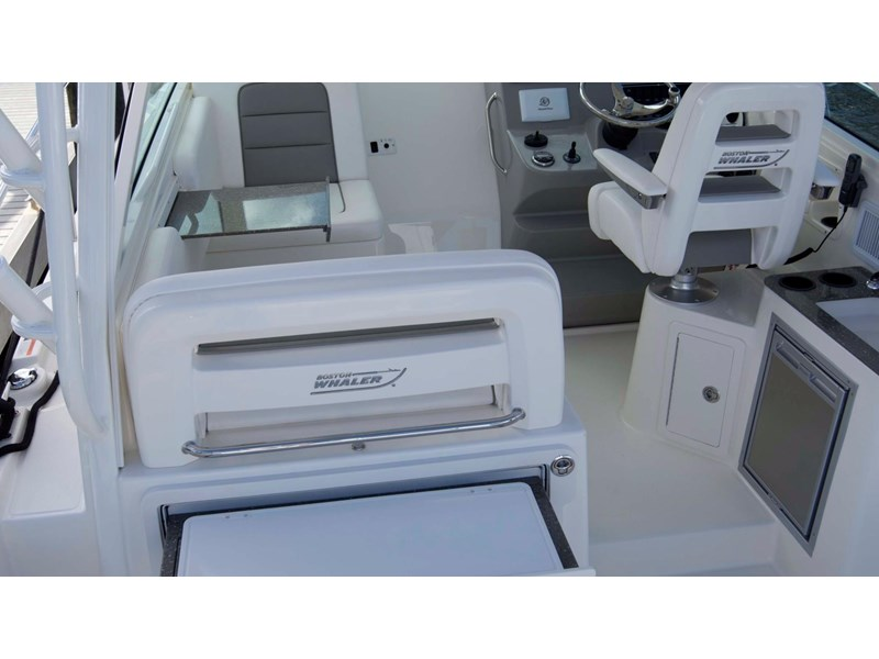 boston whaler 315 conquest 245300 016