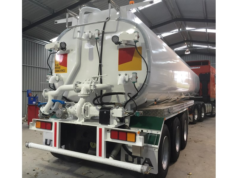 ultimate trailers uta elite spray tanker 544633 010