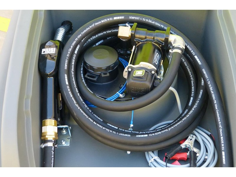transtank dieselcaptain 1200l with 60l/min pump & ball baffle safety system 416621 008