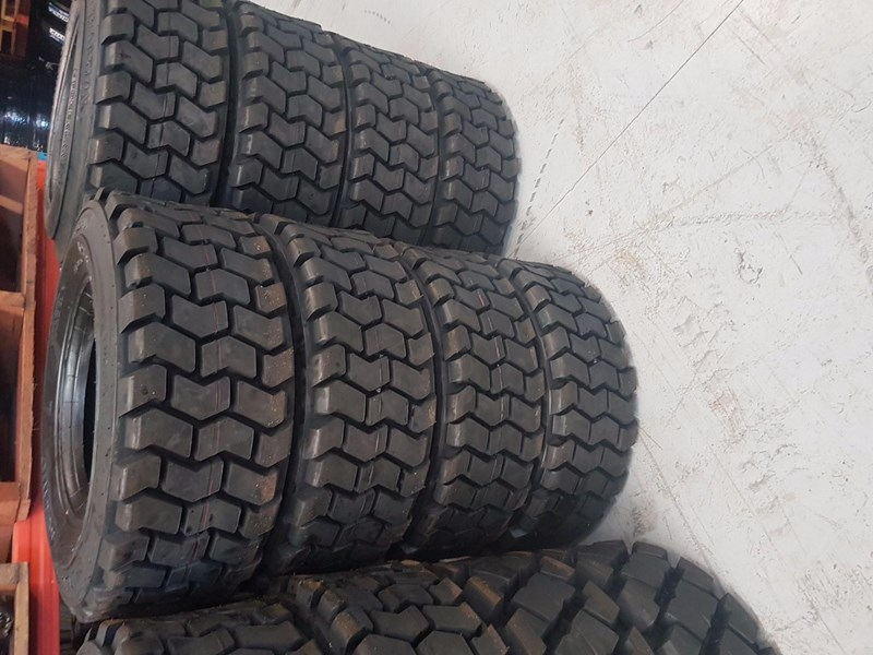 bobcat / skid steer tyres tyres for any skid steer 563542 001