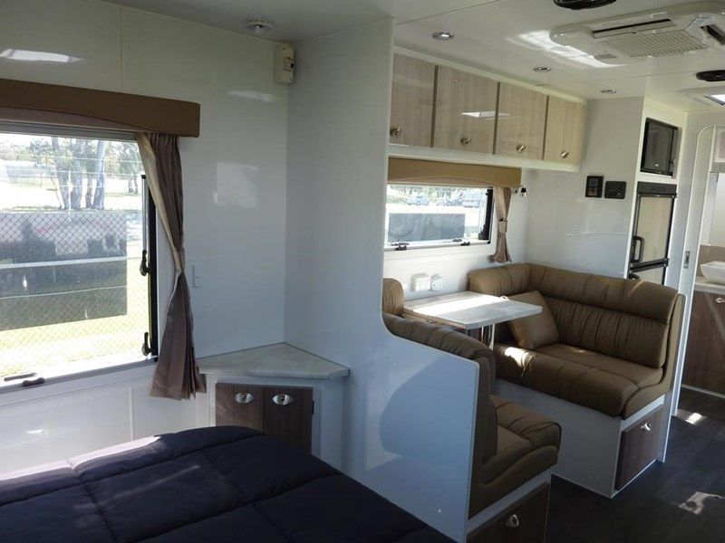 living edge bellagio - ensuite caravan 551474 008