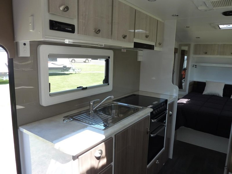 living edge bellagio - ensuite caravan 551474 012