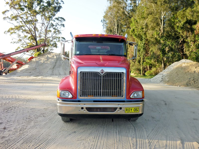 international 9200i eagle 553859 004