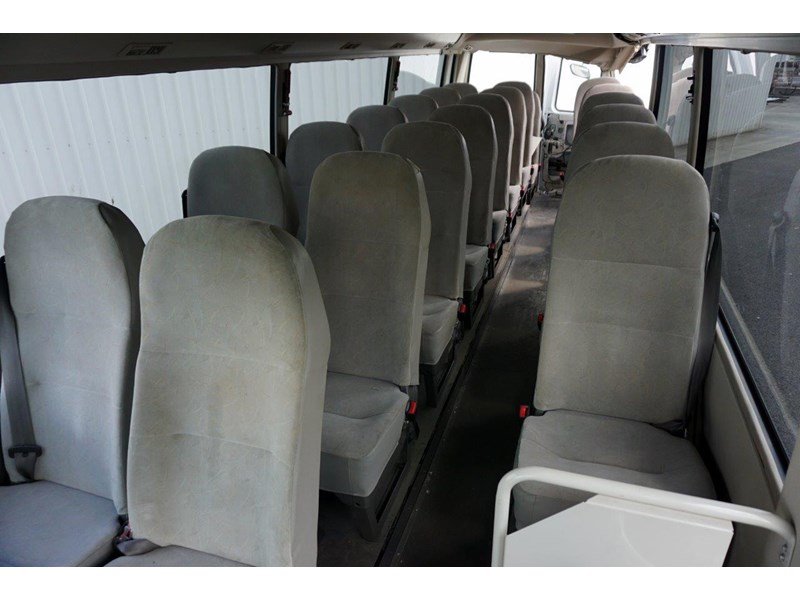 mitsubishi rosa deluxe 25 seat - wreck 555019 013