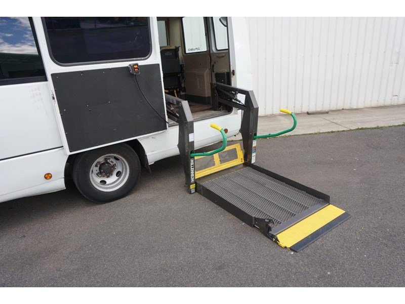 mitsubishi rosa 25 seat with wheelchair lift 555028 027