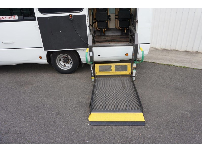 mitsubishi rosa 25 seat with wheelchair lift 555028 028