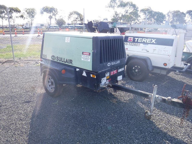 sullair 185 trailer mounted air compressor 477527 001