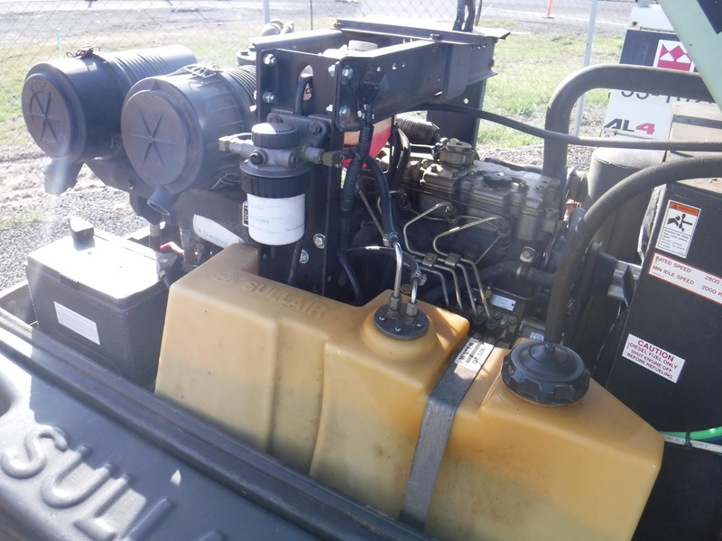 sullair 185 trailer mounted air compressor 477527 006
