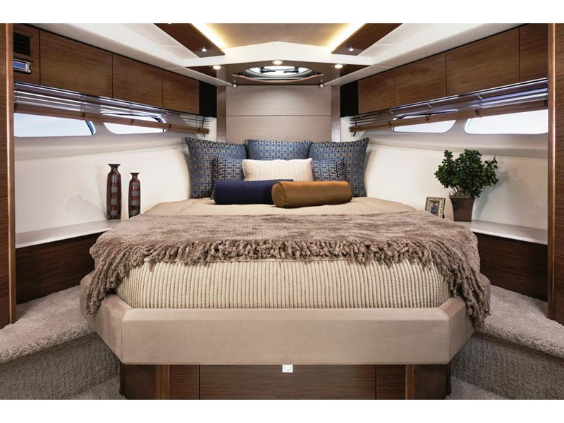 cruiser yachts 45 cantius sports yacht 560078 003