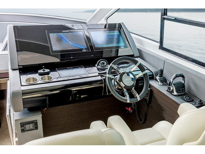 cruiser yachts 60 cantius sports yacht 560080 004