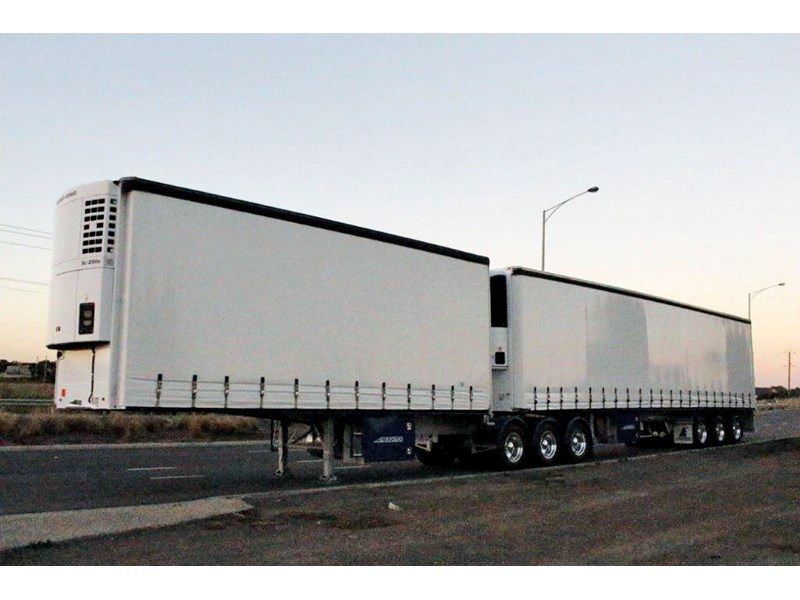 maxitrans 34 pallet refrigerated flat deck curtainsider combination 561195 001