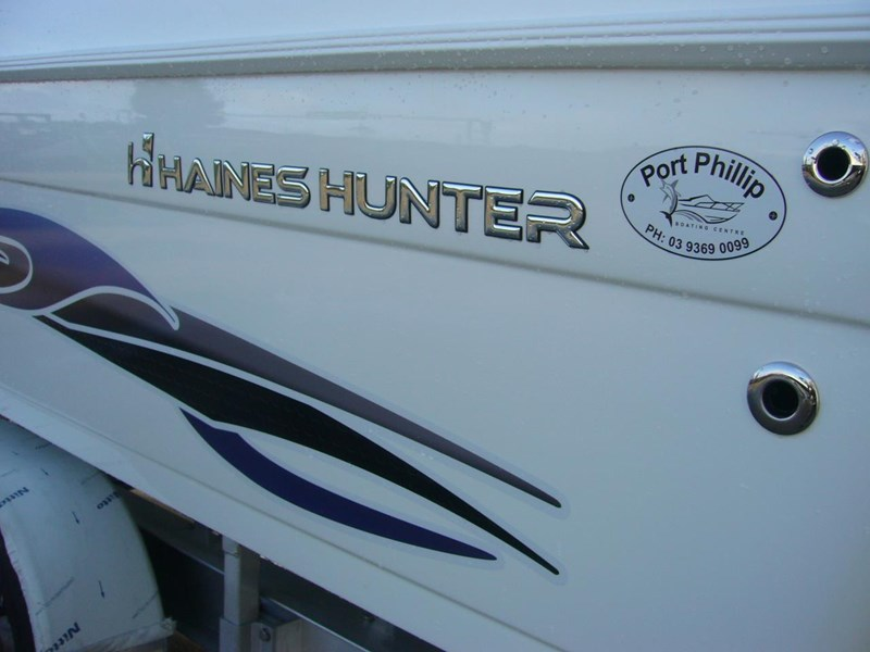 haines hunter 700 enclosed 562607 019