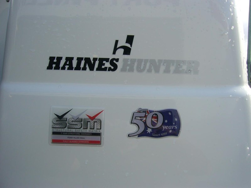 haines hunter 700 enclosed 562607 021