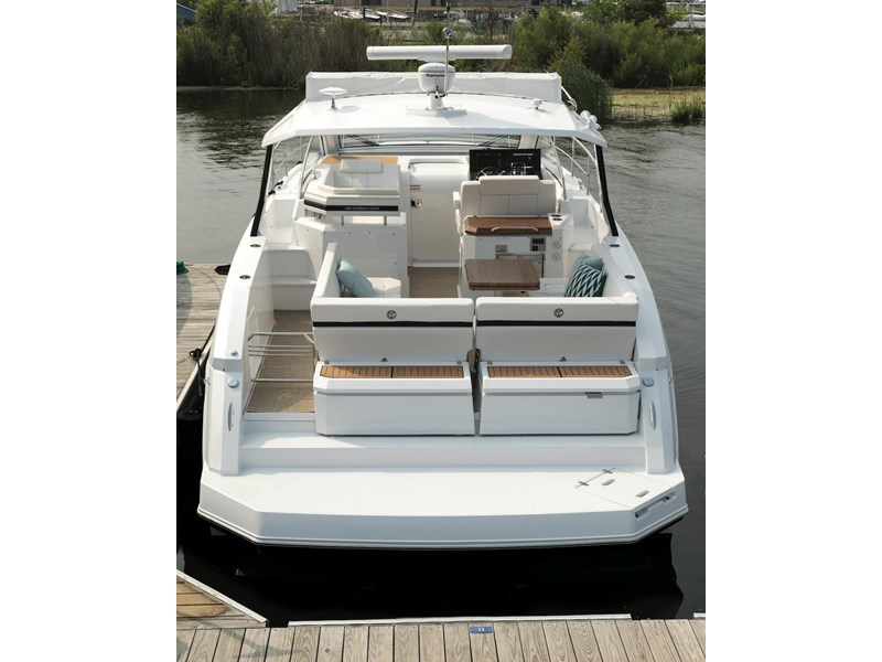 cruiser yachts 39 express coupe 562798 005