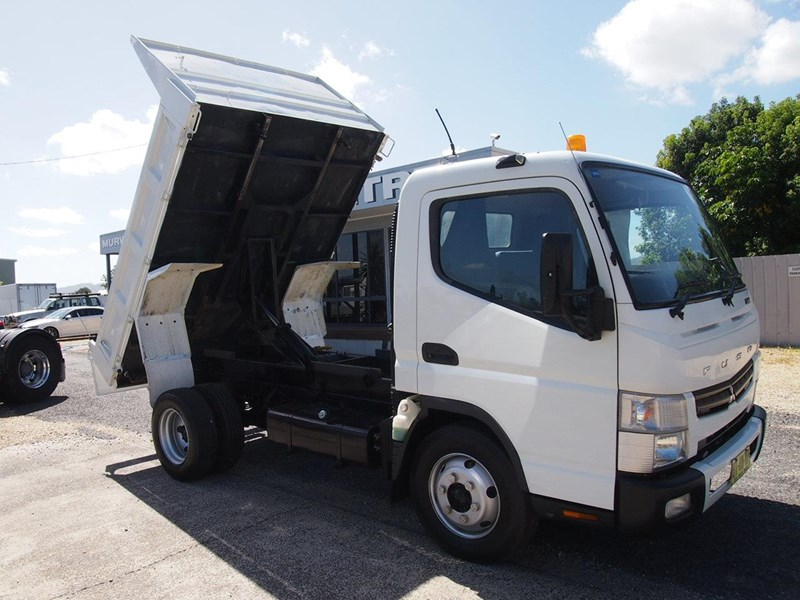 fuso canter 715 tipper 564552 002