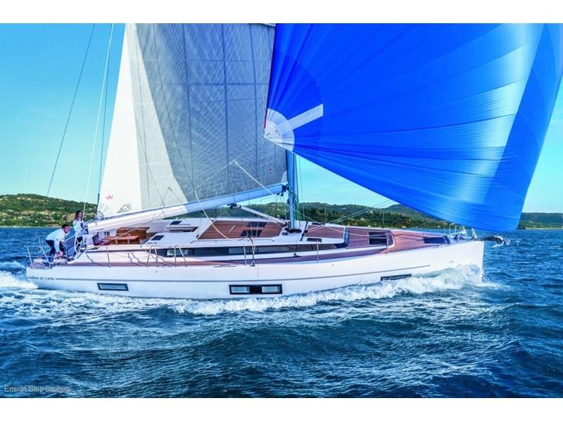 Bavaria Cruiser 37 standard (Bavaria ... - Boat-Specs.com