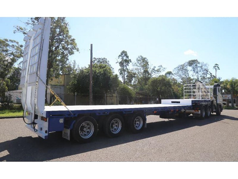 aaa aaa 45' extendable drop deck with bi-fold ramps 568108 003
