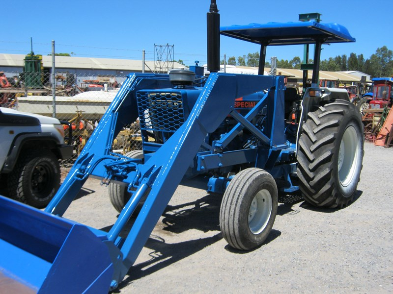 FORD 5000 PLUS TRACTOR (DUAL POWER) RED LINE 86 GRAIN
