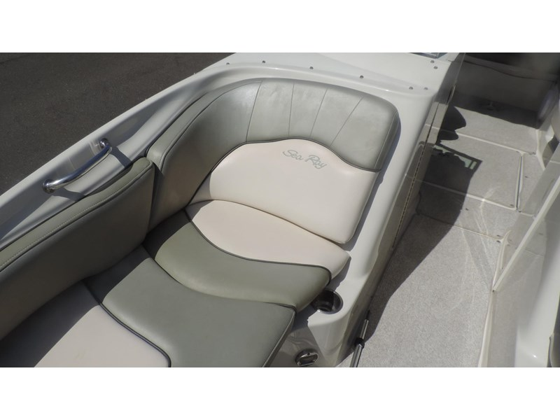 sea ray 240 sundeck 571443 033