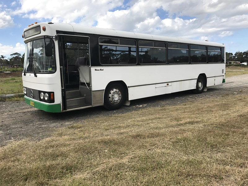 mercedes-benz 0305 bus, 1986 model 574802 001