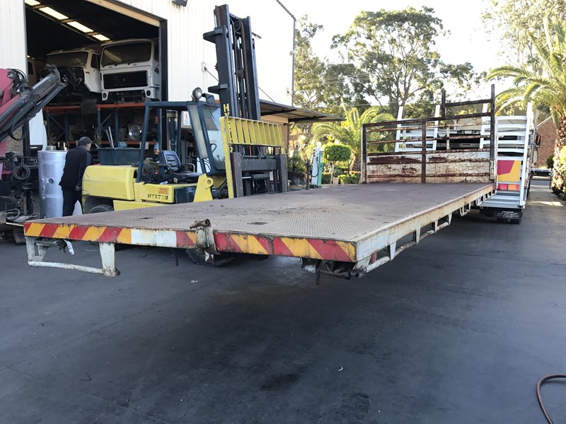 truck trays various sizes 18383 006