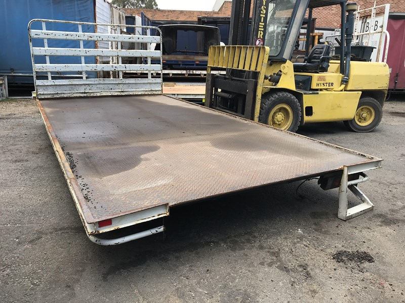truck trays various sizes 18383 012