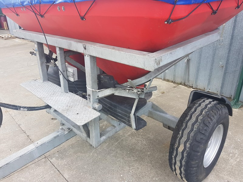 walco t1300 twin spinner fertiliser spreader 575494 002