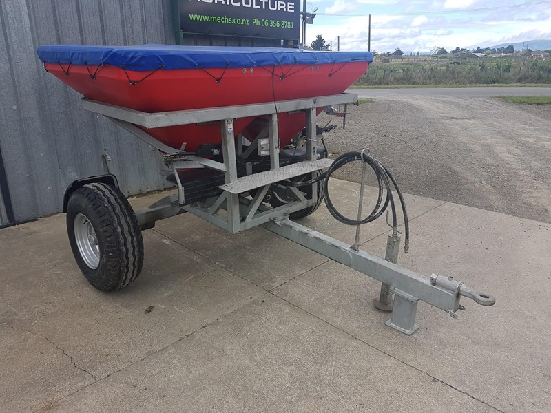 walco t1300 twin spinner fertiliser spreader 575494 001