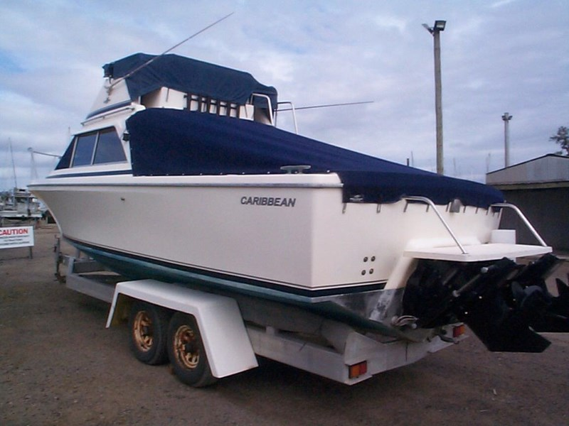 caribbean 26 flybridge cruiser 578538 011