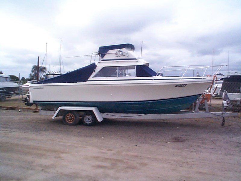 caribbean 26 flybridge cruiser 578538 001