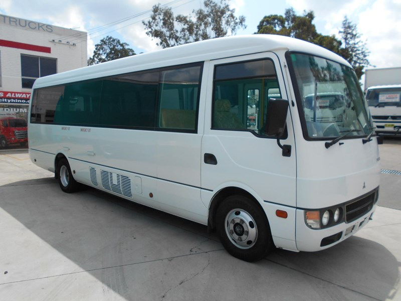 mitsubishi fuso rosa bus auto/ 21 seat rosa bus with wheelchair 579661 003
