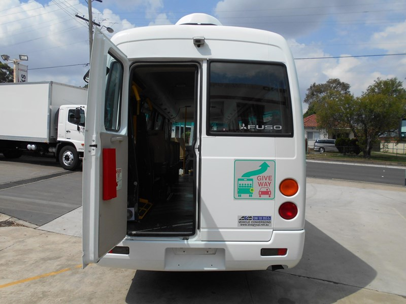 mitsubishi fuso rosa bus auto/ 21 seat rosa bus with wheelchair 579661 007