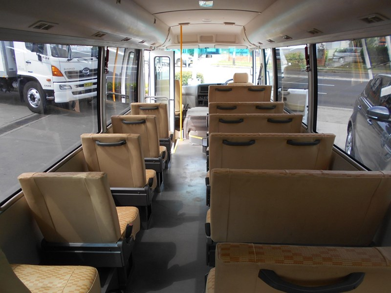 mitsubishi fuso rosa bus auto/ 21 seat rosa bus with wheelchair 579661 018