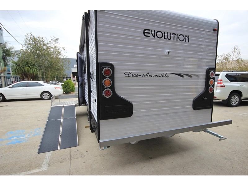 evolution lux-accessible 579844 004