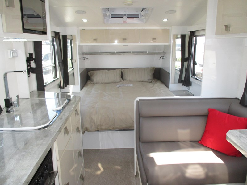 traveller intrigue 21' ....sold....c/w custom tourer 582104 006