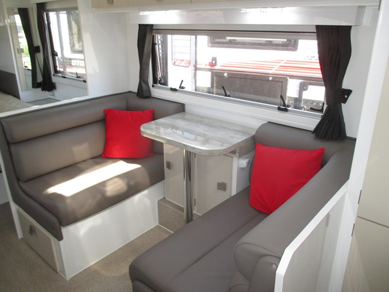 traveller intrigue 21' ....sold....c/w custom tourer 582104 007
