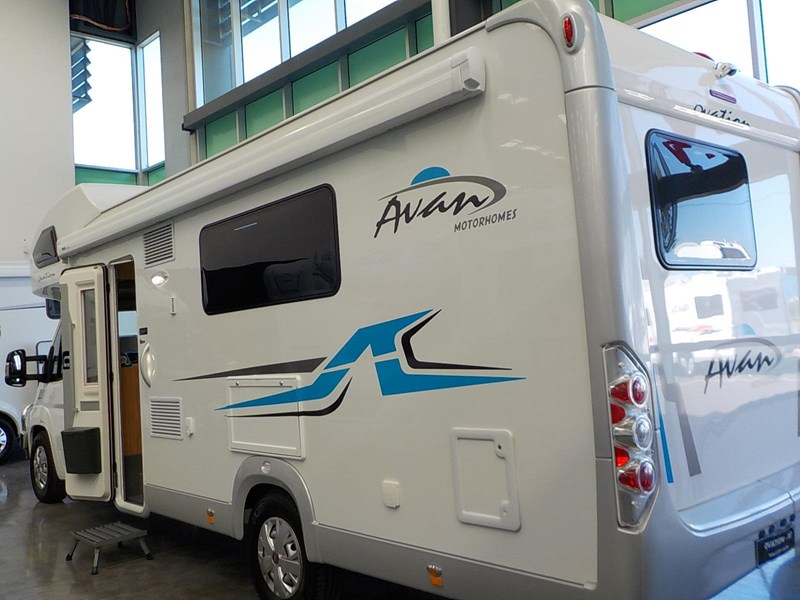 avan ovation m7 582428 005