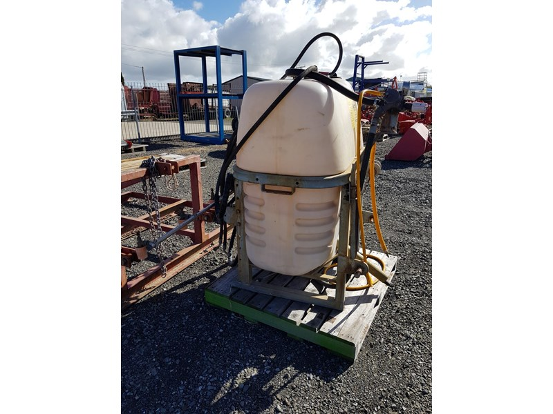 croplands 600lt sprayer 583131 002