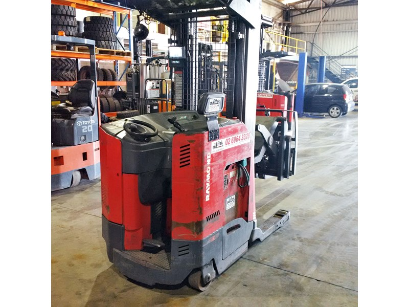 raymond double deep reach truck 477221 001
