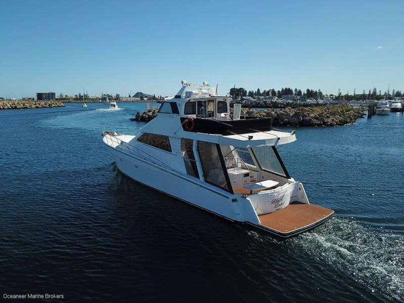 sea chrome marine charter vessel present all offers! 547344 024