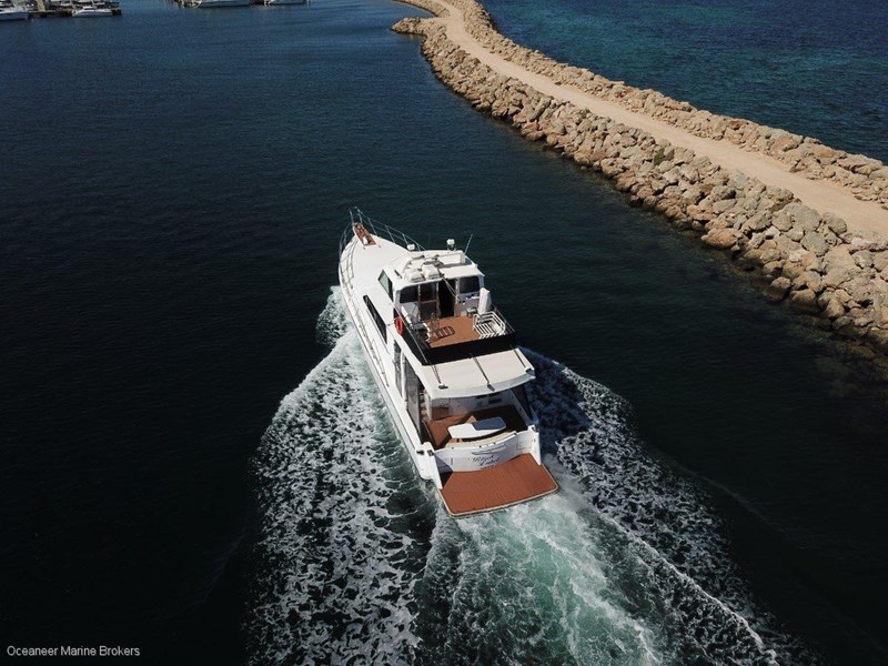 sea chrome marine charter vessel present all offers! 547344 028