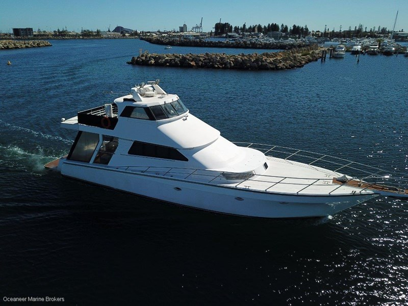 sea chrome marine charter vessel present all offers! 547344 030