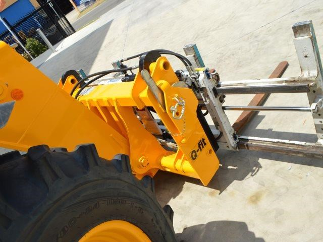 unknown cascade double pallet hydraulic forks to suit jcb telehandler 585431 012