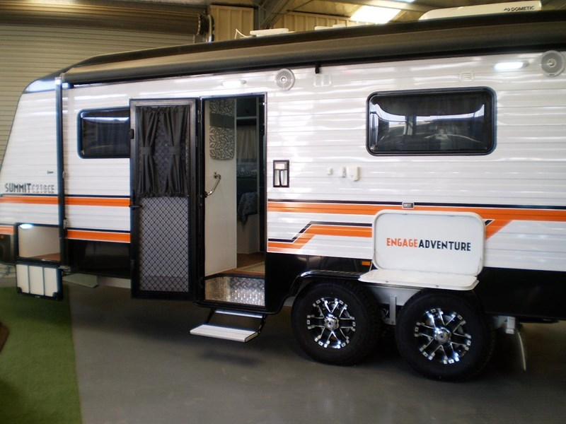 colorado caravans summit full ensuite, single beds 429575 004
